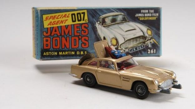 Aston Martin DB5 model car