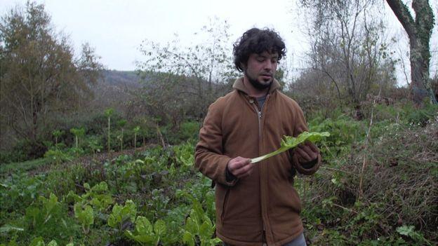 Javi Fernández con vegetales