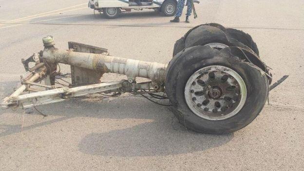 [Internacional] Avião faz pouso forçado no Paquistão _86474699_gkxc00lh
