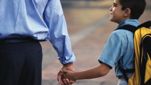 Para Cortella, ao tentarem proteger filhos, pais criam geração mais fraca