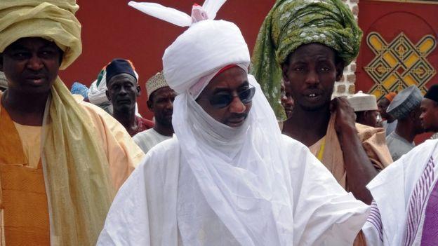 Emir of Kano Muhammadu Sanusi II (C)
