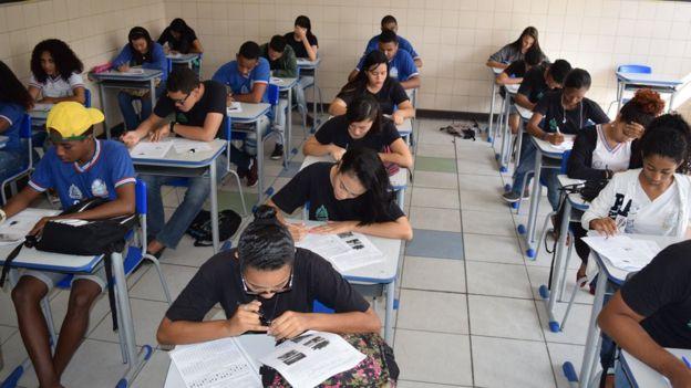 Alunos da rede estadual da Bahia em simulado para o Enem, em foto de arquivo