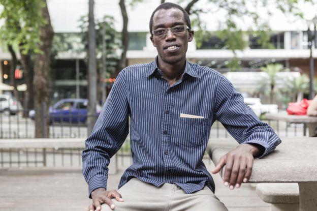 Egide, do Burundi, diz que antes de chegar no Brasil não se preocupava com preconceito