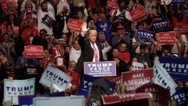 Donald Trump durante un mitin electoral