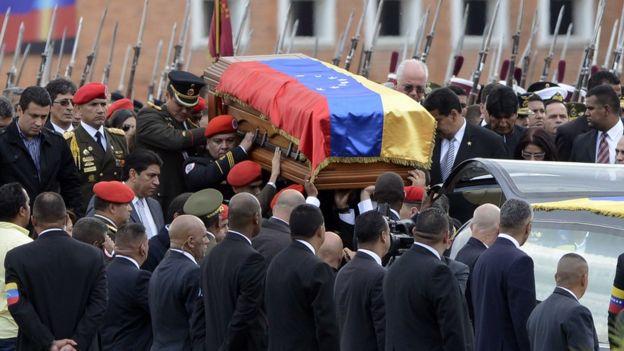 Ataúd de Chávez