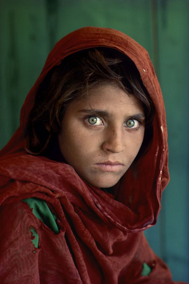 Sharbat Gula,at Nasir Bagh refugee camp Peshawar, Pakistan 1984.