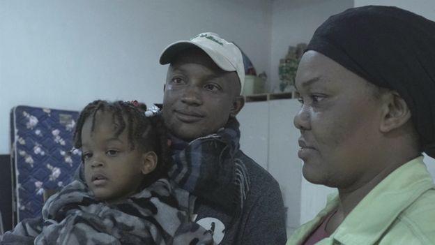 Christopher Faustine y su familia
