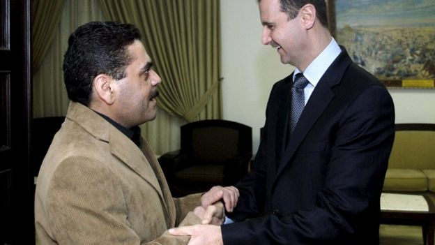 Syria's President Bashar al-Assad (R) welcomes released Lebanese prisoner Samir Qantar in Damascus, Syria on 24 November, 2008