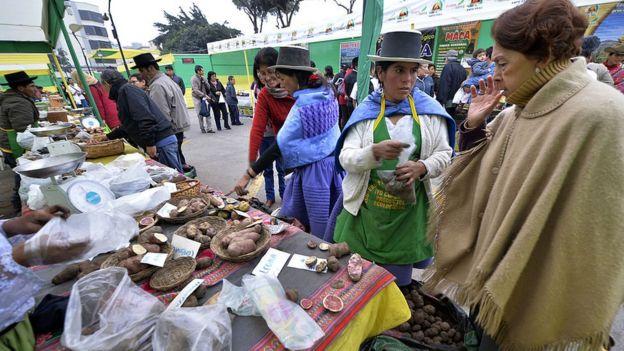 Mercado campesino en Lima