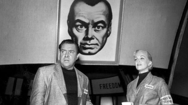 Edmond O'Brien và Jan Sterling trong vai diễn phim 1984 hồi năm 1955