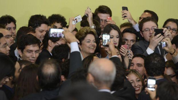 Programa Ciência sem Fronteiras foi lançado em 2011, durante o primeiro mandato da presidente Dilma Rousseff, e destinou quase 80% das bolsas a alunos da graduação. Foto: AGÊNCIA BRASIL
