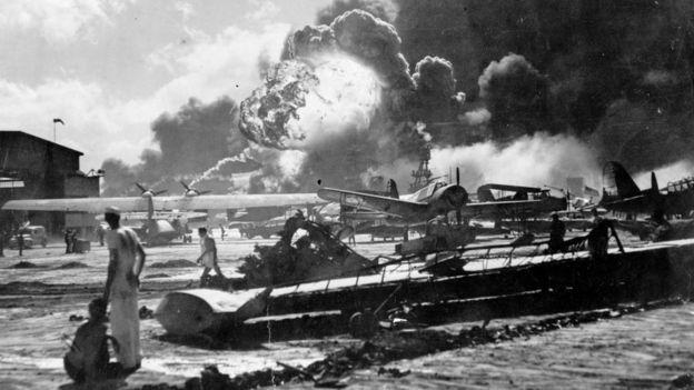 珍珠港美國海軍航空團被轟炸情景(7/12/1941)