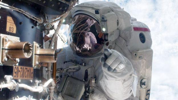 Astronauta en el espacio.