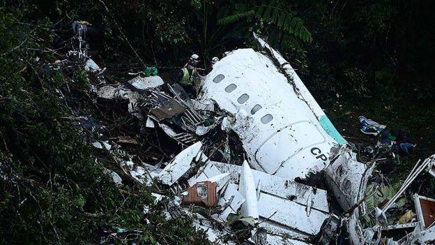El avión se encontraba sin combustible al momento del impacto.