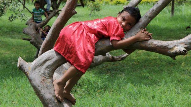 Em certas comunidades embera já não se pratica a mutilação nas meninas. (Foto: NATALIO COSOY/ BBC MUNDO)