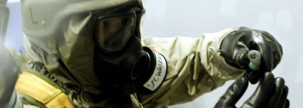 US military personnel conduct drills of chemical weapons handling