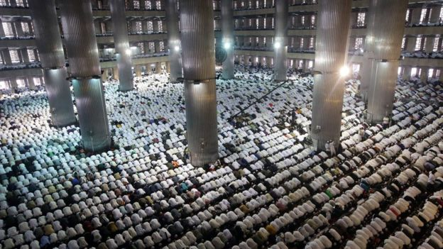 mass prayer at Istiqlal mosque