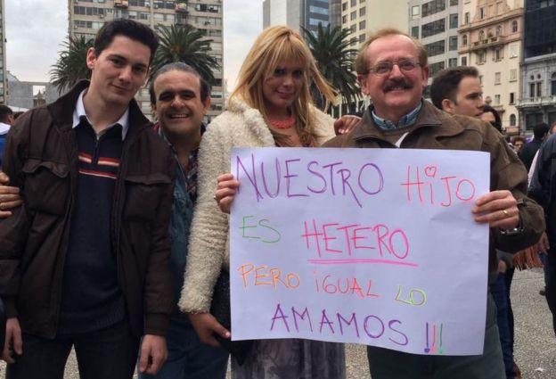 Lara Ramírez en una protesta en Montevideo, Uruguay.