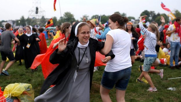 Young pilgrims dance in Krakow