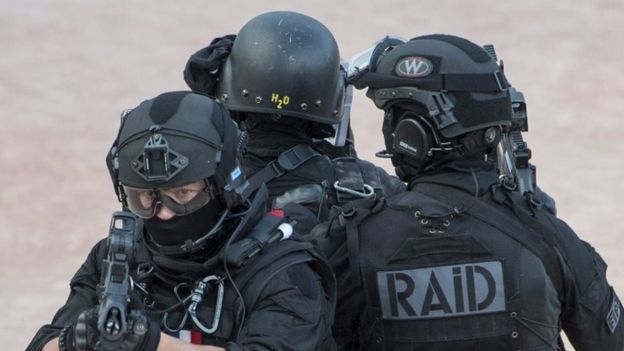 French police take part in an anti-terrorism exercise in Lyon (07 June 2016)
