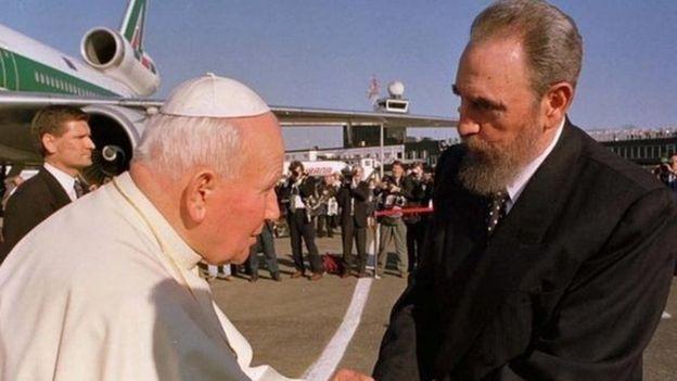 پاپ ژان پل دوم و فیدل کاسترو
