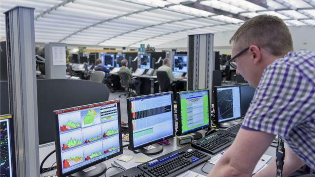 Oficina de control aéreo en Londres.