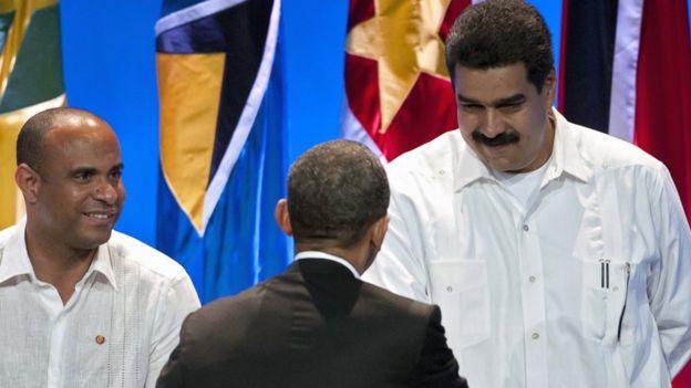 Nicolás Maduro saluda a Barack Obama en 2012