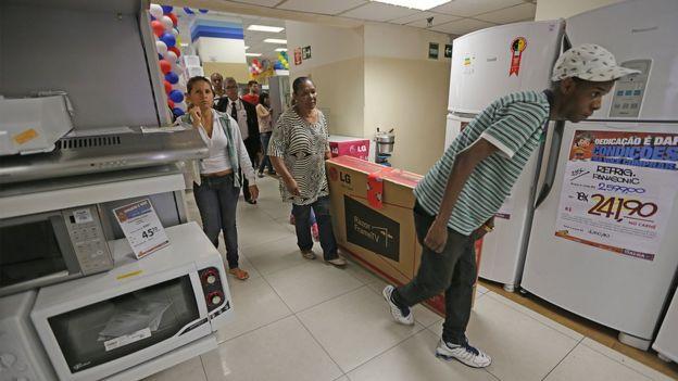 Retomada do crescimento global passará por consumo da classe média nos países ricos, afirma a Unctad