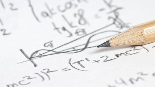 Cálculos de física cuántica