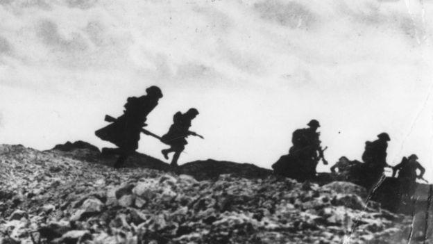Tropas escocesas na Batalha de Somme, em abril de 1917, na Primeira Guerra Mundial