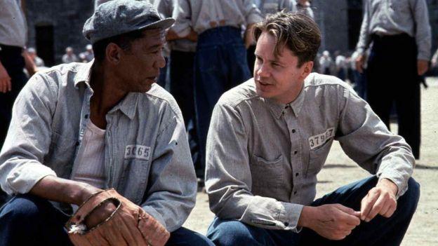 Morgan Freeman y Tim Robbins en Sueño de fuga