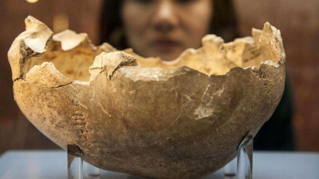 Древние люди тщательно обрабатывали череп, чтобы создать такую чашу