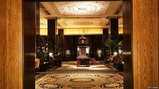 Sảnh của khách sạn Waldorf Astoria ở New York