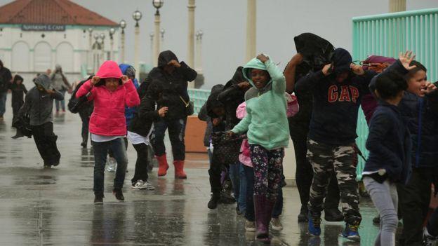 Las lluvias de este viernes en Los Ángeles, California.