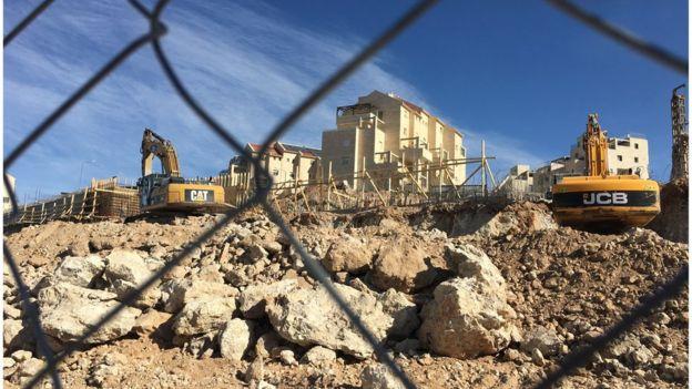 Construction work at Efrat settlement (12/01/17)