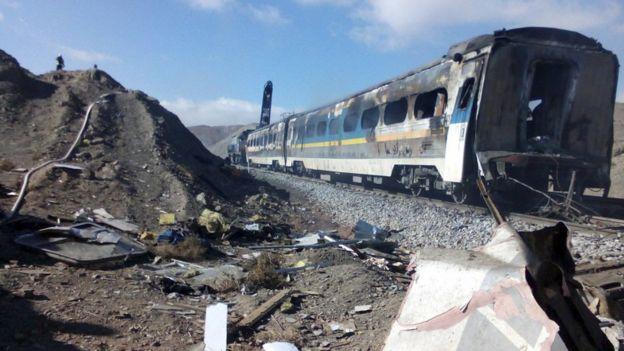В итоге столкновения пассажирских поездов вИране погибли 5 человек, десятки ранены