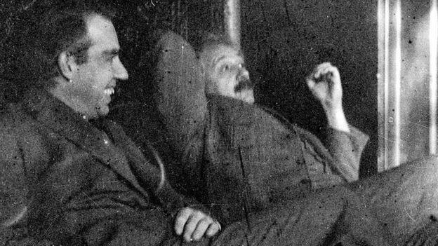 Niels Bohr e Albert Einstein