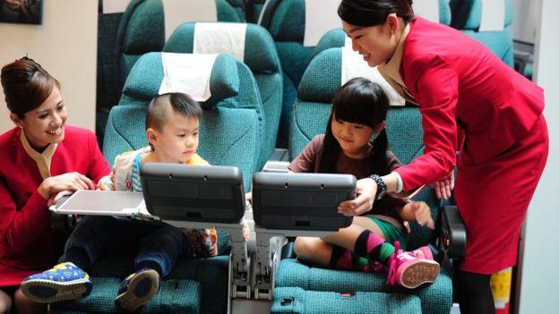 國泰展銷活動上的模擬客艙(中新社資料圖片)
