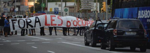 Roadblock on Gran Via in central Barcelona, 3 Oct 17