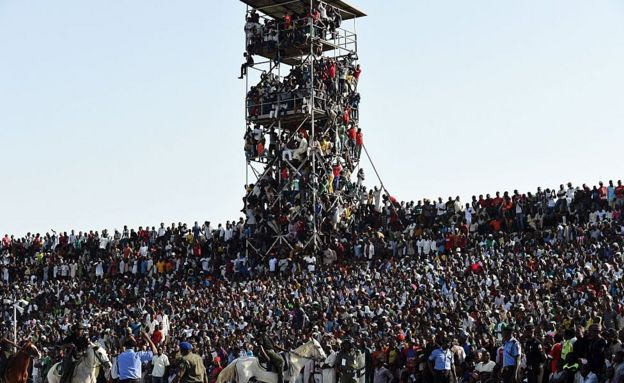 Supporters attend the African Cup of Nations qualification match between Egypt and Nigeria, on 25 March 25, 2016, in Kaduna, Nigeria
