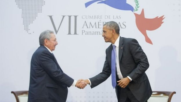US President Barack Obama shakes hands with Cuban President Raul Castro during their meeting at the Summit of the Americas in Panama City on 11 April, 2015