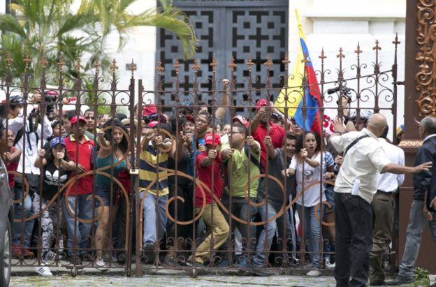 Protesto pró-Maduro