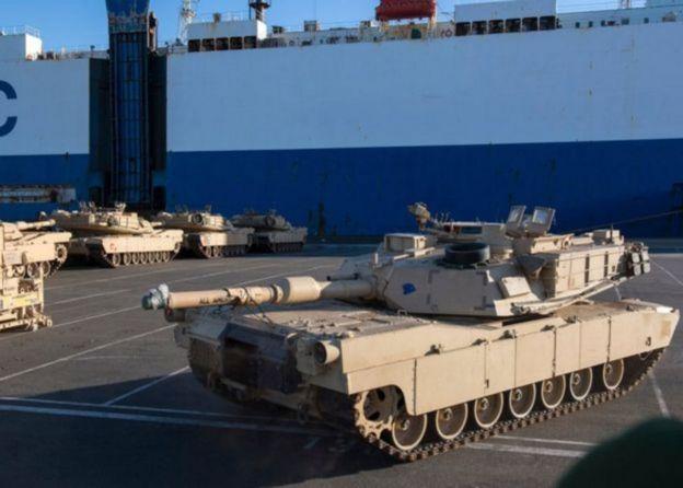 Tanques e equipamentos militares