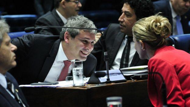 Aliados de Dilma voltaram a apresentar questões de ordem e atrasaram julgamento