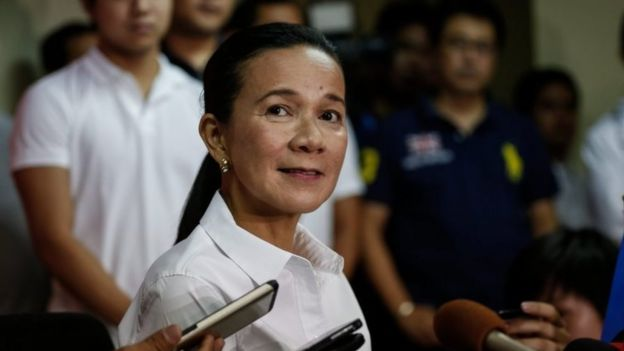 Senator Grace Poe speaks to the media in Manila after conceding the election (10 May 2016)
