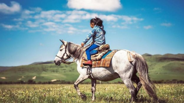 A los investigadores les sorprendió al principio encontrar que los tibetanos no contaban, al parecer, con las adaptaciones fisiológicas que se requieren para la vida en las alturas. Getty Images