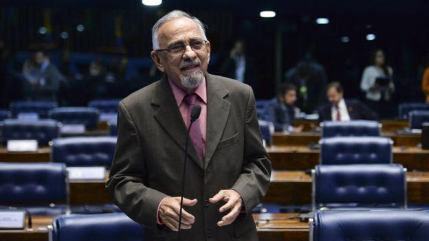 Senador João Capiberibe (PSB-AP) em sessão no Senado