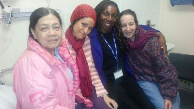 De izquierda a derecha: Aisha, Katy, Yvonne Hall y Josie