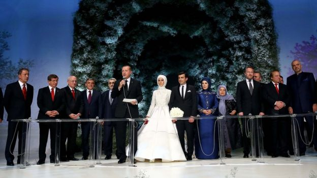Recep Tayyip Erdogan (with microphone) speaks during his daughter Sumeyye Erdogan's wedding ceremony to Selcuk Bayraktar (14 May 2016)