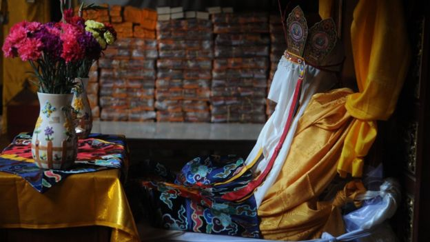 The remains of Jigme Dorje Palbar Bista, the last king of former Himalayan kingdom of Mustang, are seen in a monastery at Bauddha in Kathmandu, 16 December 2016